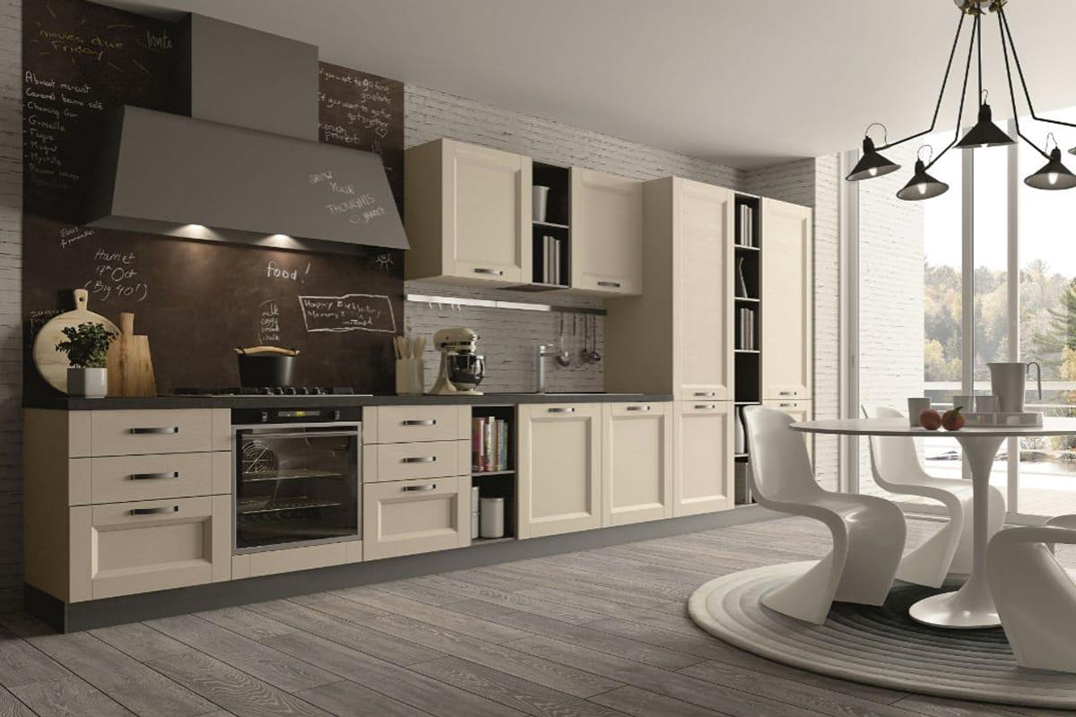 Cucina classica lineare con anta in frassino e vetro con grata. Cucine Classiche a Salerno - CasaStore.