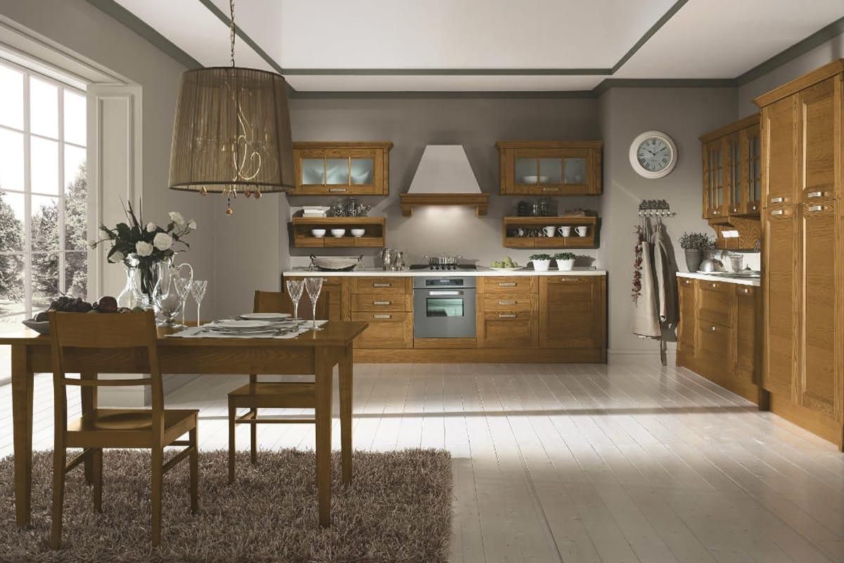 Cucina classica in legno di noce e pensili sospesi. CasaStore: Esposizione Cucine Componibili in stile Classico a Salerno.
