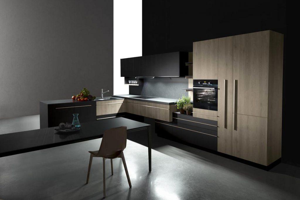 Cucina con penisola in bilaminato opaco soft touch e colonne in rovere neck. Cucine Componibili moderne CasaStore Salerno.