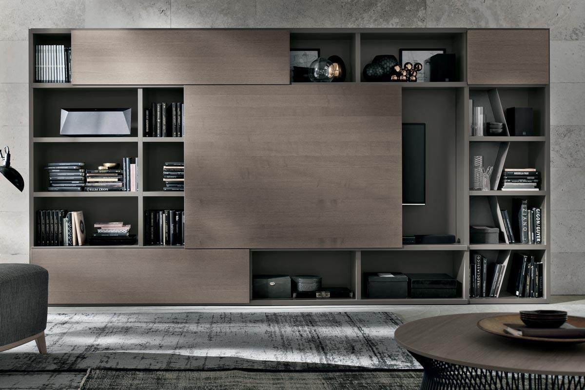 Libreria con spalla in laccato opaco ed anta centrale scorrevole in frassino cenere. Mobili moderni per il soggiorno, CasaStore Salerno.