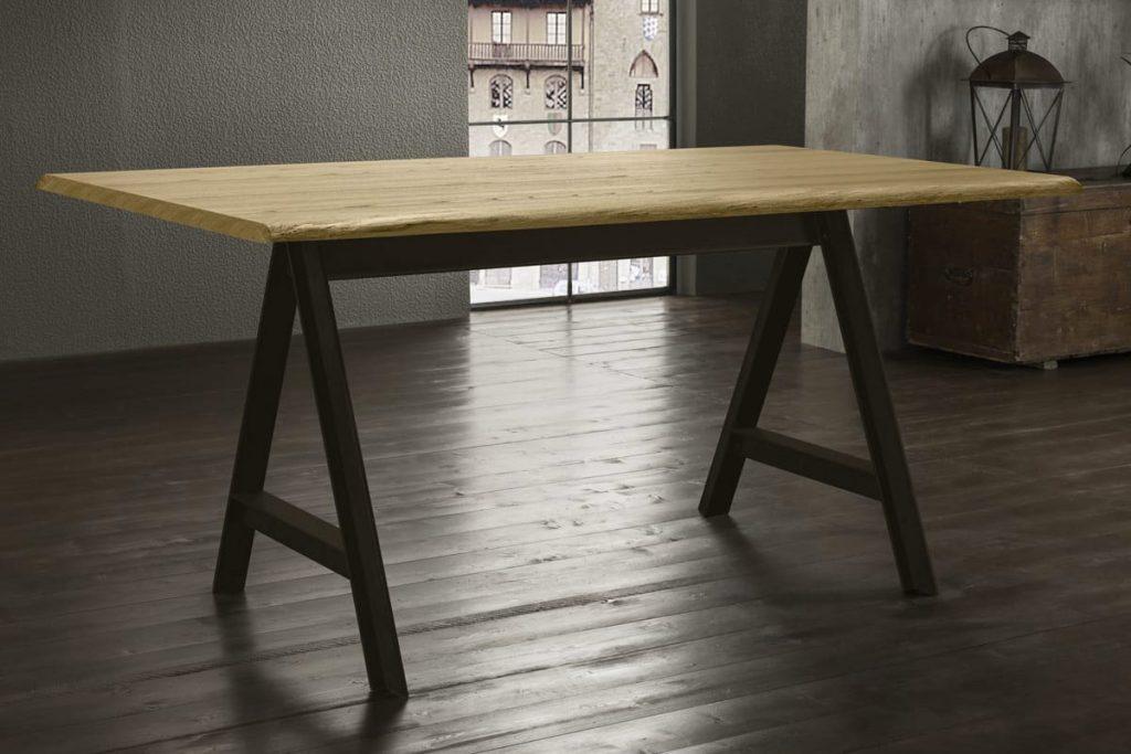 Tavolo dal design moderno con piano in legno o vetroceramica e base in metallo.Tavoli per Cucine e Soggiorni moderni CasaStore Salerno.