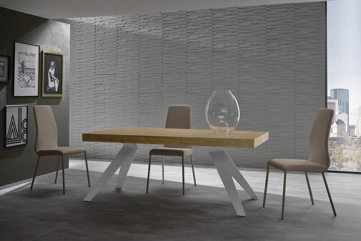 Tavolo remedy struttura in acciaio e piano effetto legno for Tavoli e sedie soggiorno moderno