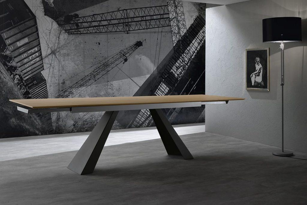 Tavolo allungabile in rovere e gambe in metallo - CasaStore Salerno