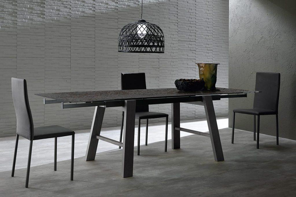 Tavolo allungabile in vetroceramica e legno massello for Tavolo da pranzo con sedie