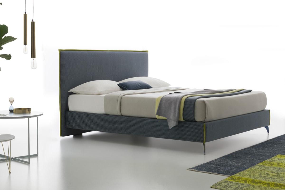 Letti matrimoniali arredamento camere da letto for Camera da letto vittoriana buia