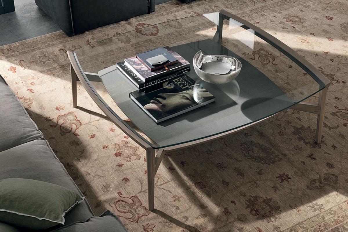 Tavolino da salotto BLOOM Tomasella: serie di tavolini da soggiorno con struttura in legno e piano in vetro. CasaStore Salerno
