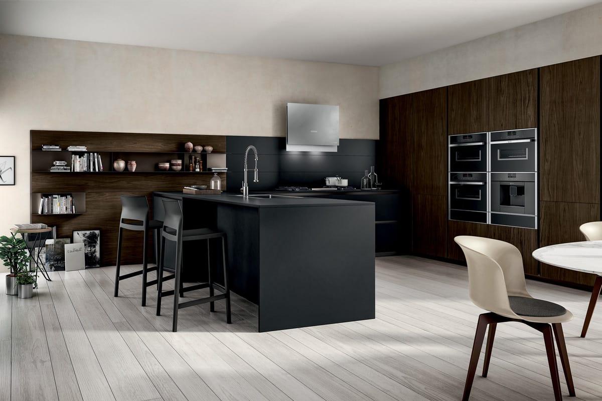Cucina compatta con banco penisola colonne attrezzate e boiserie - Cucina compatta ...