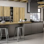 Cucina-con-isola-colonne-e-piano-snack-rovere-biondo-CU-ZS-02-CasaStore-Salerno-2