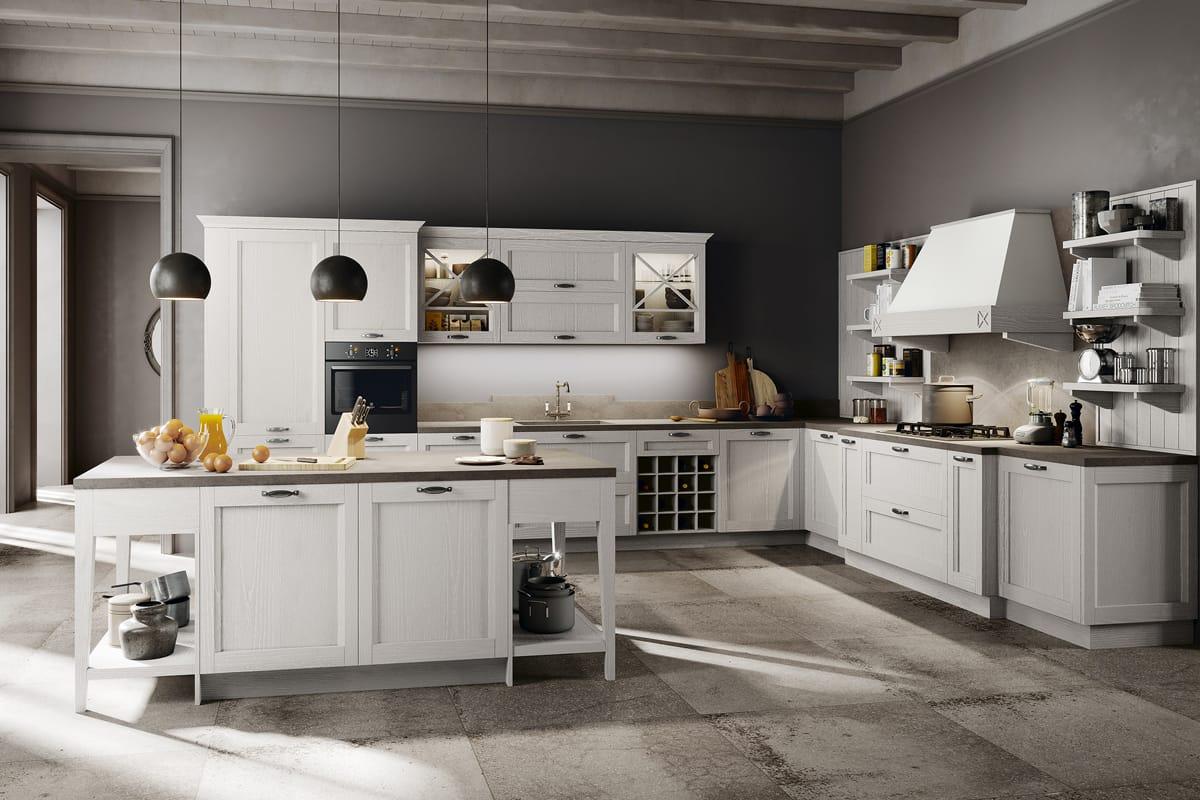Cucina Shabby Chic con isola centrale in legno bianco gesso effetto decapé. Cucine Classiche, Shabby Chic e Country a Salerno by CasaStore.