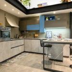 Cucina-angolare-con-penisola-LAB-BIG-SIZE-Sconto-50%-per-rinnovo-esposizione-CasaStore-Arredamenti-Salerno-3