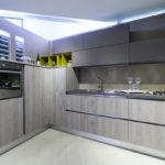 Cucina-angolare-pensili-fenix-LAB-LEGNO-Sconto-50%-per-rinnovo-esposizione-CasaStore-Arredamenti-Salerno-3