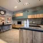 Cucina-con-isola-e-living-coordinato-EOS-Sconto-50%-per-rinnovo-esposizione-CasaStore-Arredamenti-Salerno-8